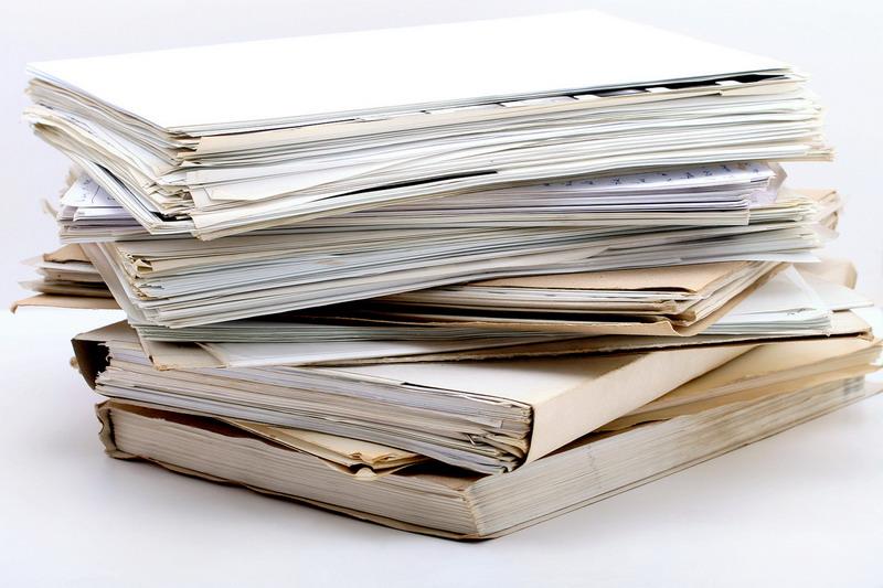 стопка документов в папках