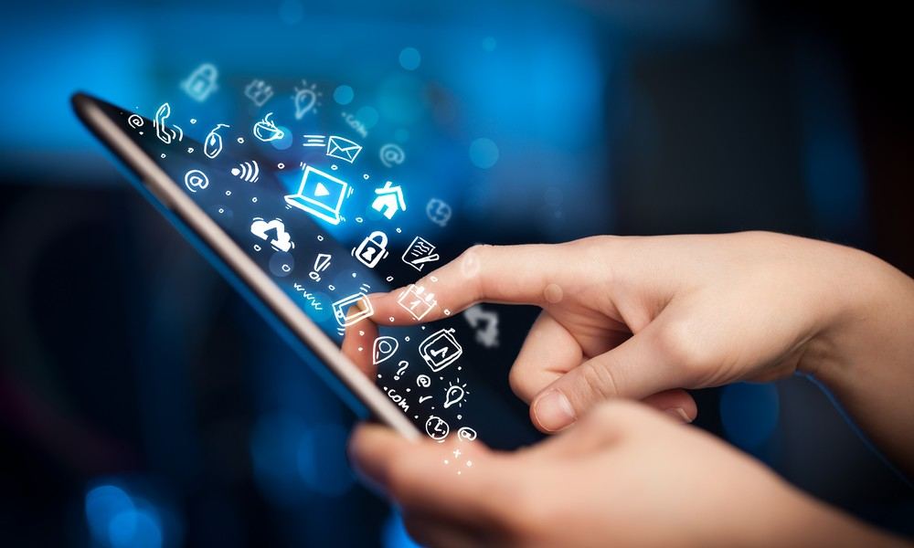 Современные технологии в руках человека